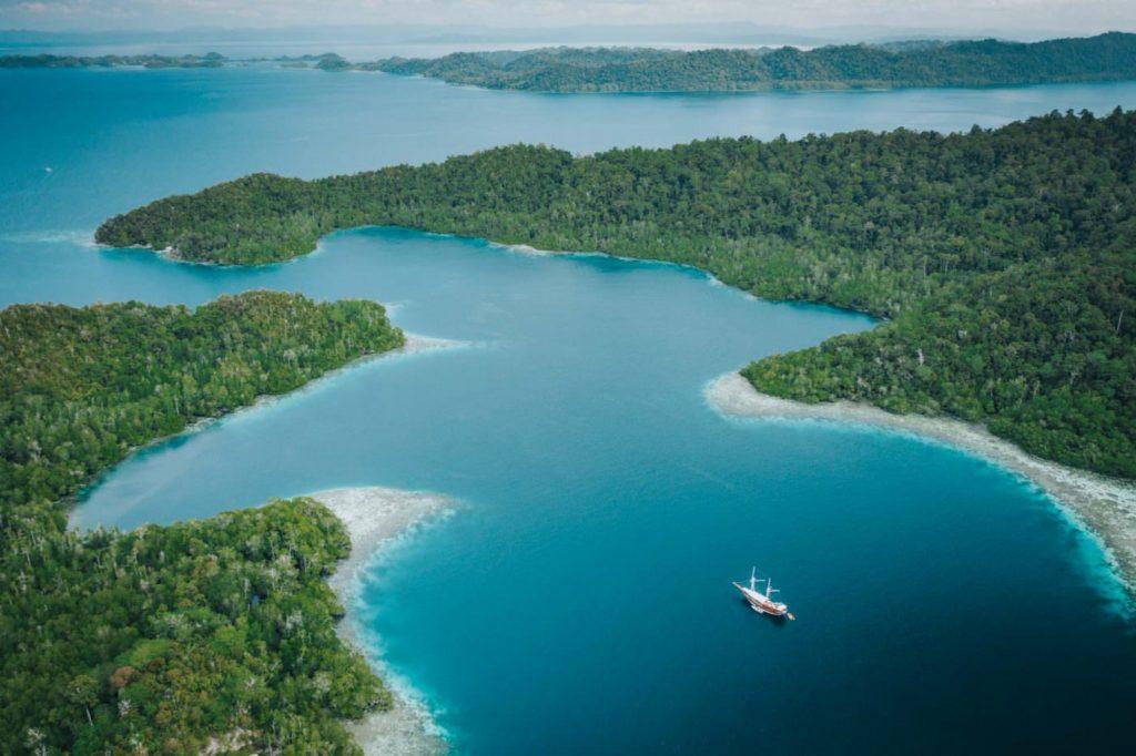 Sailing Raja Ampat | Hello Papua